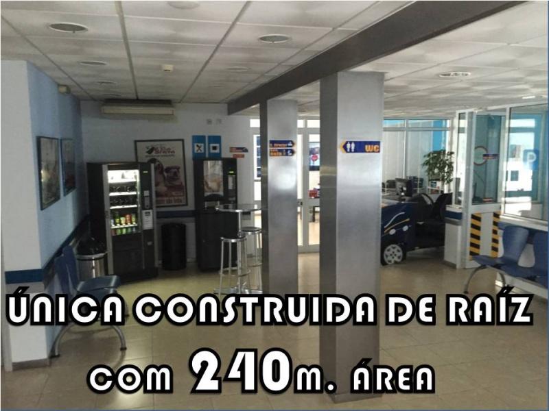 240M2 DE ÁREA ÚNICA CONSTRUÍDA NO PAÌS DE RAÍZ